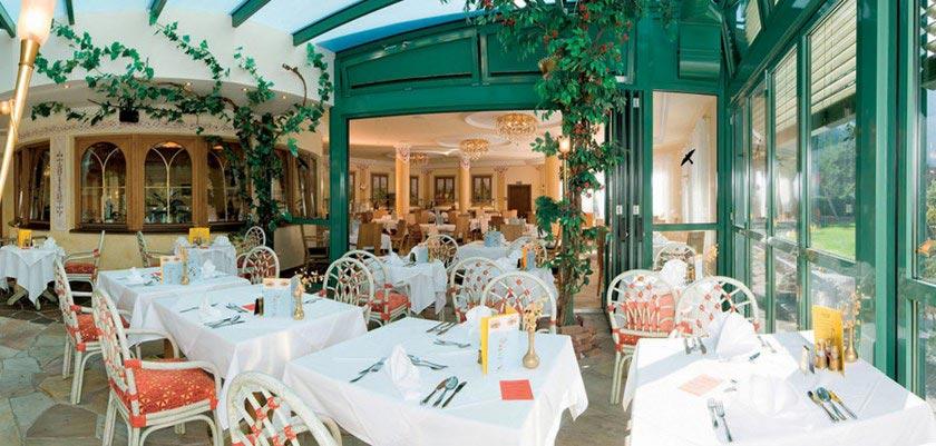 Sporthotel Strass, Mayrhofen, Austria - restaurant.jpg